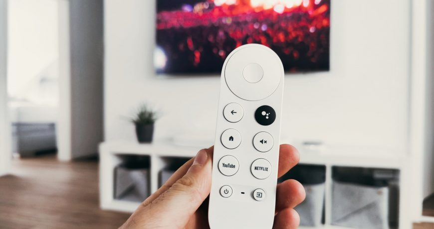 Nos pasamos gran parte de nuestra vida viendo la televisón, y más en época de pandemia. Por tante es muy importante ver la televisión de manera correcta.